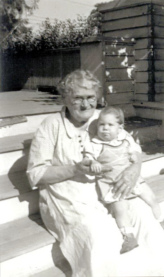 Mary Elizabeth Carothers with great-granddaughter